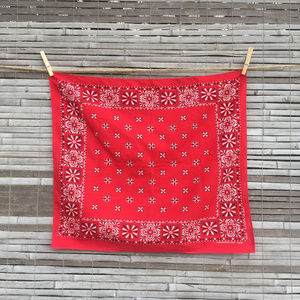 VINTAGE . TOWER BRAND . RED BANDANA / COWBOY SCARF
